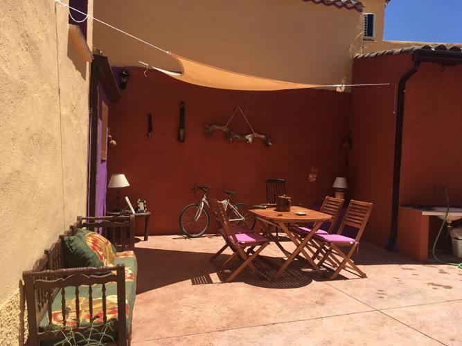 patio de la casa rural las Violetas